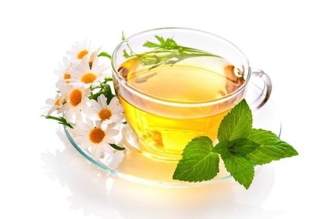 Chá de camomila para fazer compressas