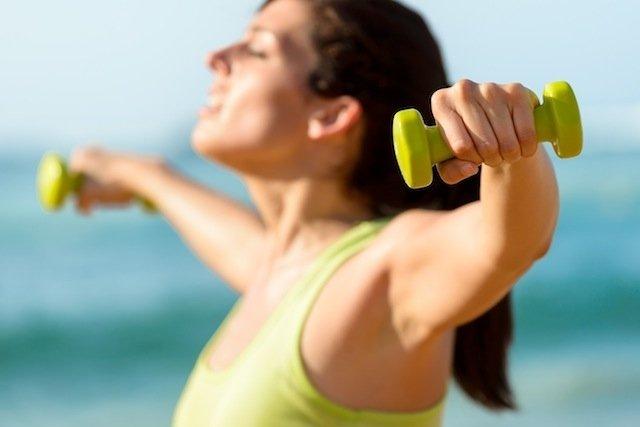 Praticar exercícios para tornar os seios mais firmes
