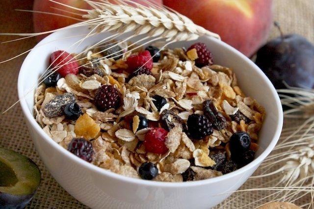 Como fazer uma dieta rica em fibras para regular o intestino