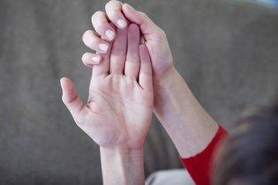 Dedos roxos
