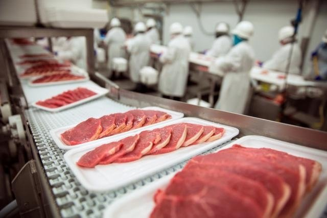 Conservantes na comida são piores para a saúde do que o papelão