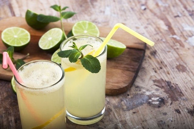 Limonada de maçã para purificar o corpo e secar as Espinhas