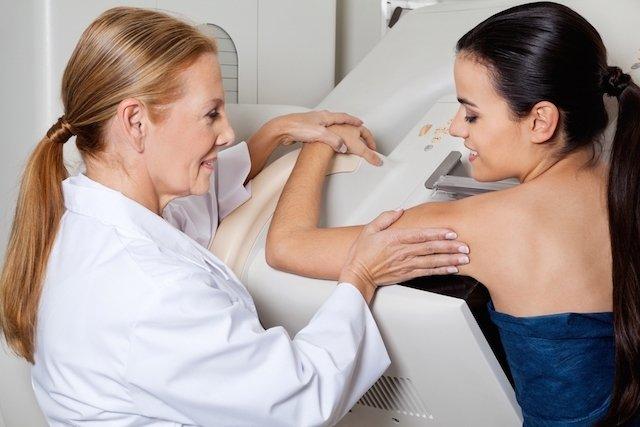 Como é feita a mamografia digital