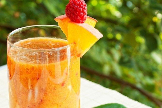 Suco de pêssego para melhorar o funcionamento dos intestinos