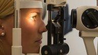 Olho tremendo: 9 principais causas (e o que fazer)