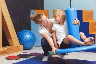 Como ajudar o bebê com Síndrome de Down a sentar e andar