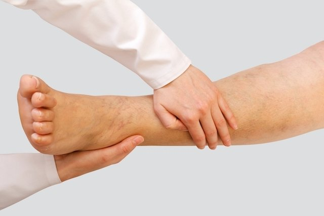 dor nas pernas na gravidez pé