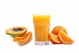 Suco laxante de laranja e mamão