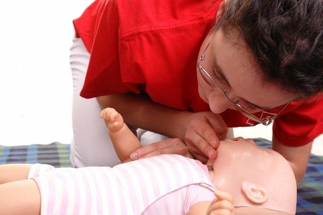 Verificar se o bebê está respirando