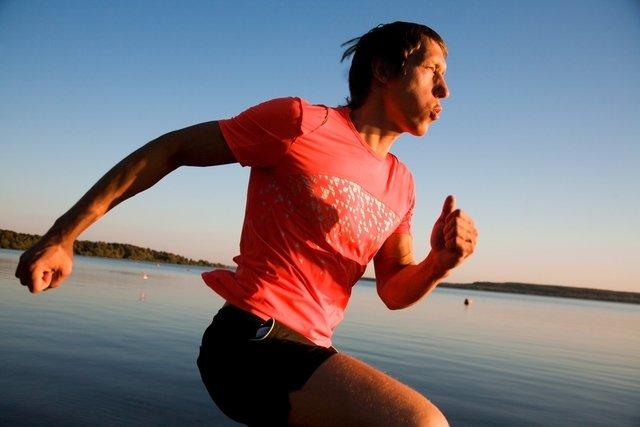 5 benefícios da corrida na água