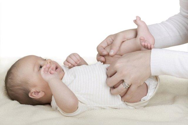 5 dicas para aliviar os gases do bebê