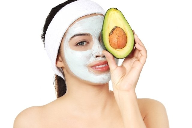 Máscara de abacate para pele seca