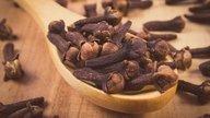 9 incríveis benefícios do cravo-da-Índia (e como usar)