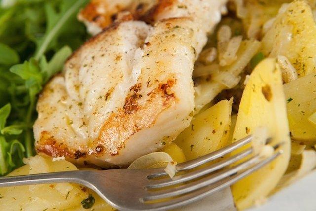Comer peixe emagrece e fortalece os ossos