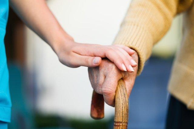 Principais sinais e sintomas do Parkinson