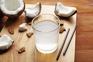 Como tomar água de coco para baixar o Colesterol