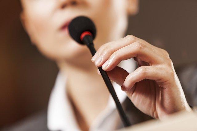 Como corrigir a voz anasalada