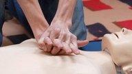 Como fazer massagem cardíaca