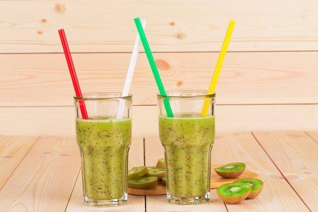 Suco de pêra e kiwi para desequilíbrio hormonal