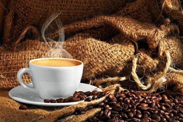 Consumo de três xícaras de café por dia pode trazer benefícios à saúde, diz pesquisa