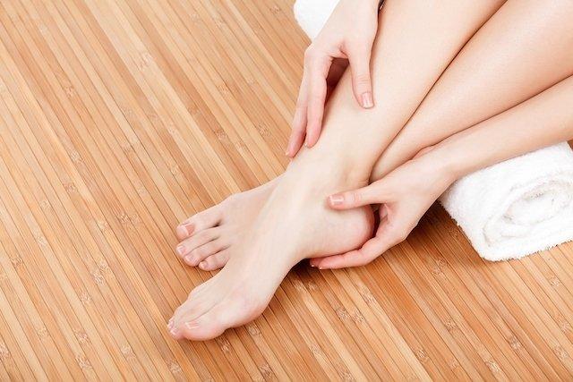 Rachadura nos pés, o que fazer?
