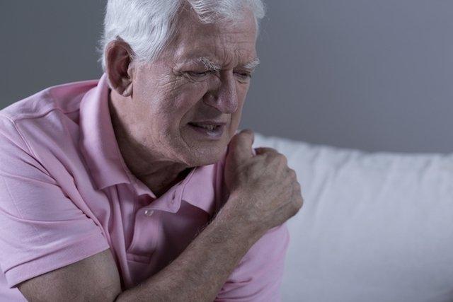 Sintomas de reumatismo nos ossos