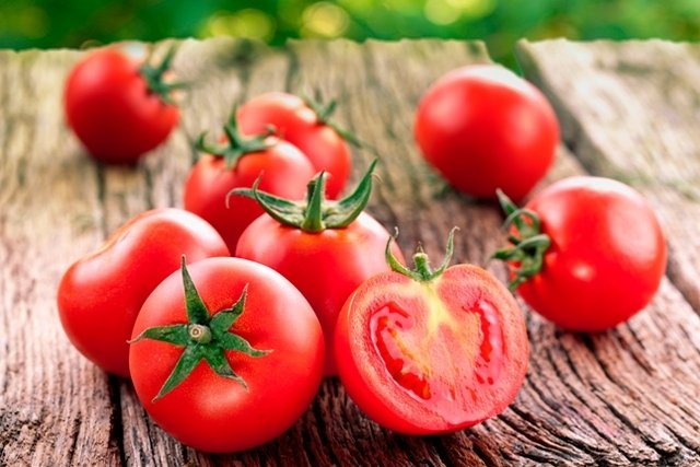 Tomate: Principais benefícios e como consumir