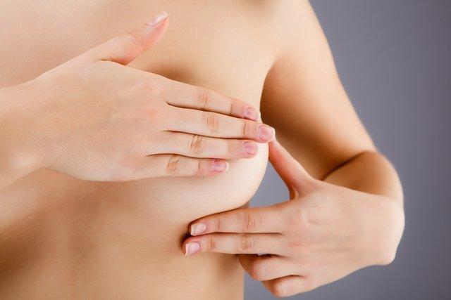 Dor na mama pode ser sinal de câncer?