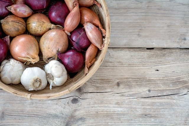 Alho e cebola ajudam a baixar o Colesterol