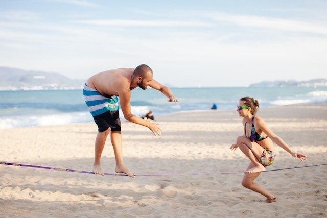 5 incríveis benefícios do slackline para a saúde