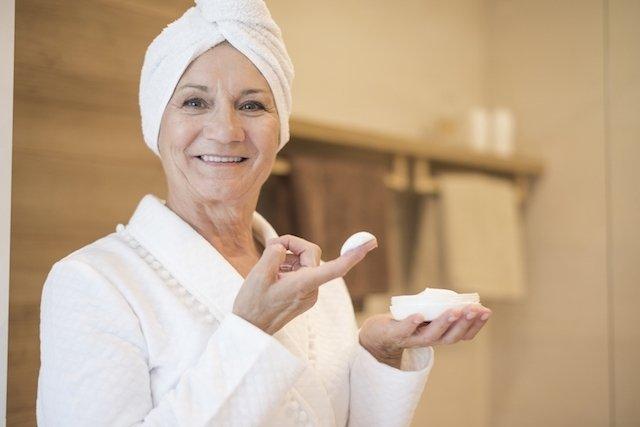 Melhores Tratamentos para combater a Flacidez no Rosto e ficar mais jovem