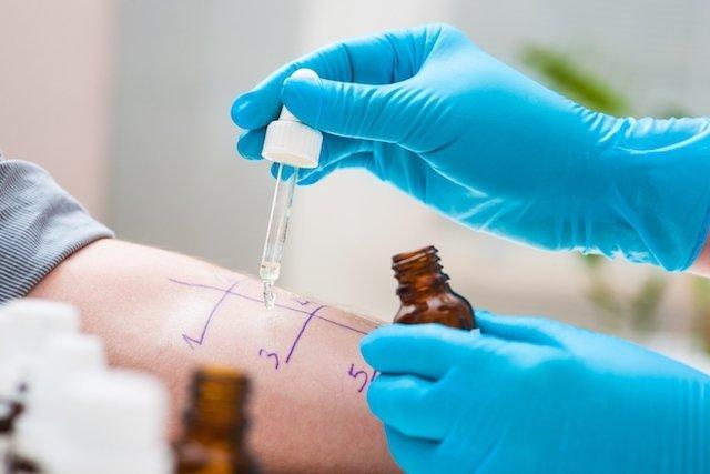 medicamento indicado para alergia na pele