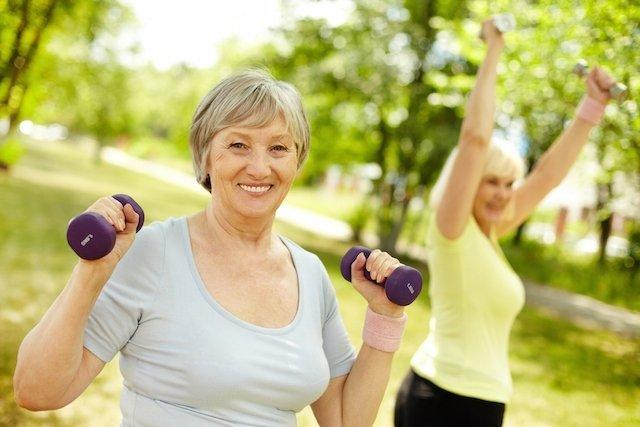 Como evitar perda de massa muscular no idoso