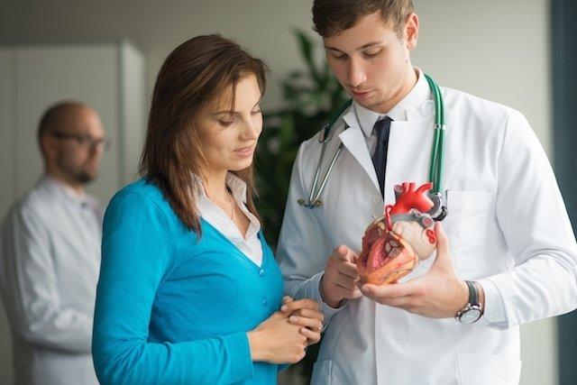 O que causa sopro no coração e como tratar