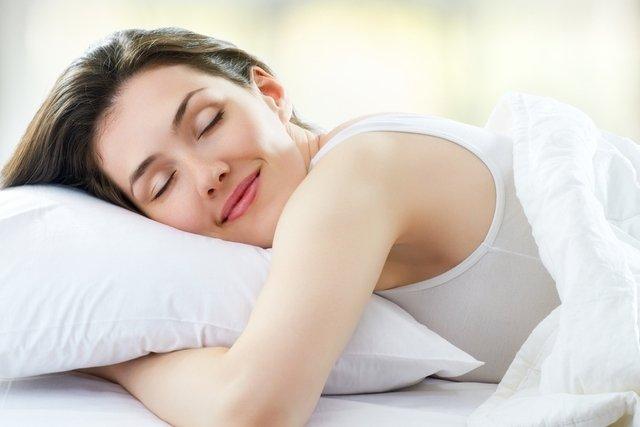 Como relaxar depois do parto para produzir mais leite