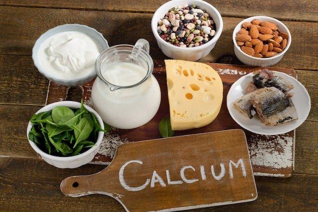 conozca los alimentos ricos en calcio tua saúde