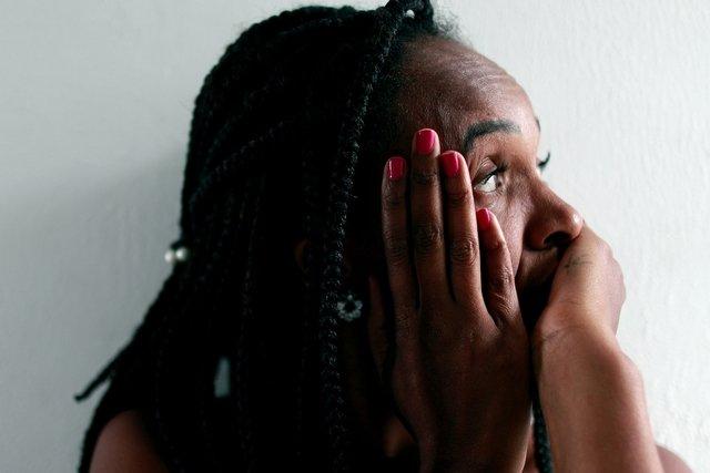 Crise de ansiedade: o que é, sintomas e o que fazer