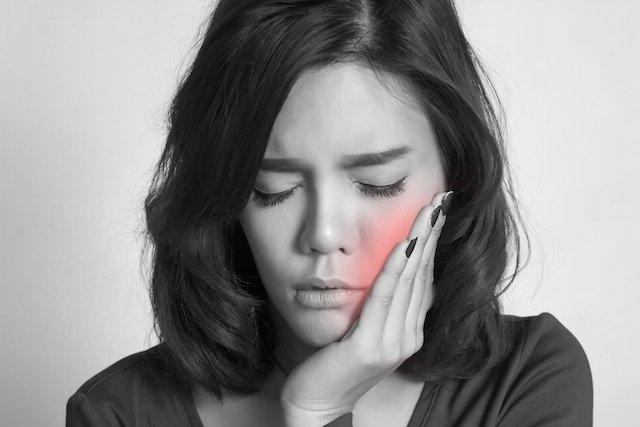 Abscesso dentário: Causas, sintomas e tratamento