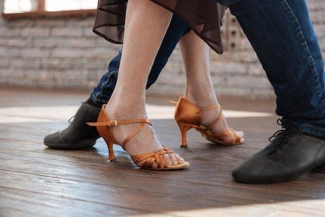 6 benefícios da dança para o corpo