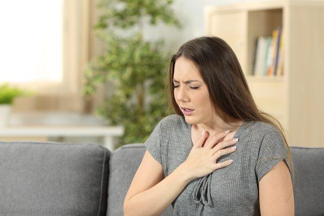 O que pode ser respiração ofegante (hiperventilação) e o que fazer