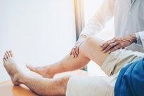 piernas hinchadas duras en ancianos