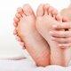 Qué puede causar ardor en los pies y cómo tratarlo