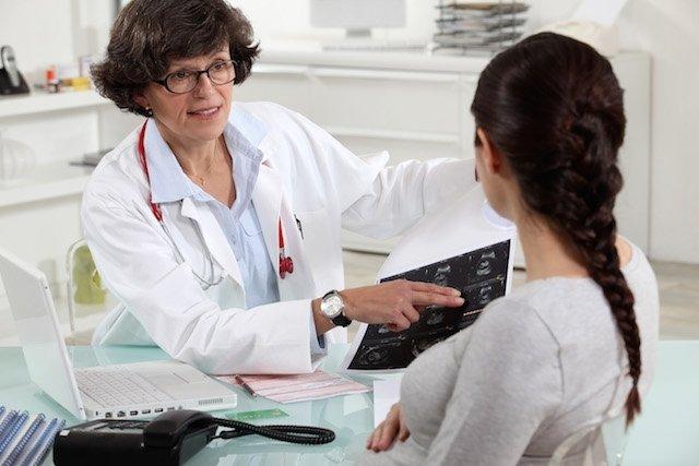 O que pode causar feridas na vagina (e como identificar)