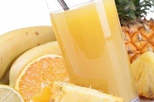 O suco de abacaxi e laranja reduz a gordura no sangue