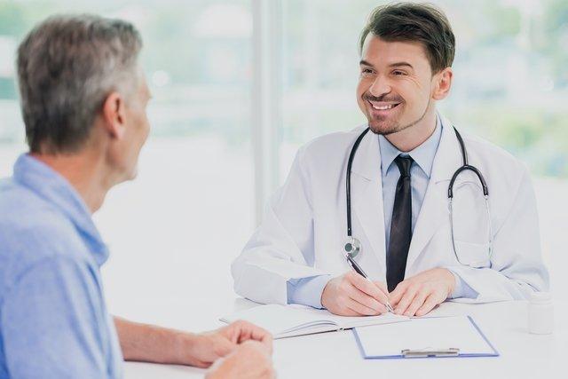 Baricitinib: para que serve, como tomar e efeitos colaterais
