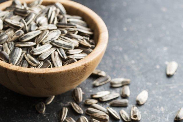 Para que serve a semente de girassol e como usar