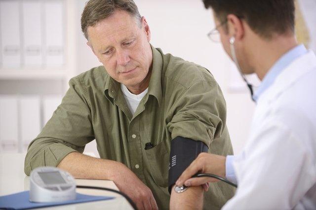 Síndrome do jaleco branco: o que é, sintomas, causas e como controlar