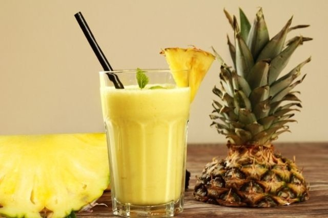 Suco de abacaxi para diminuir o enjoo na gravidez