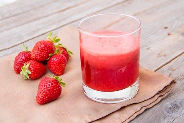 Suco de morango para fortalecer o sistema imunológico