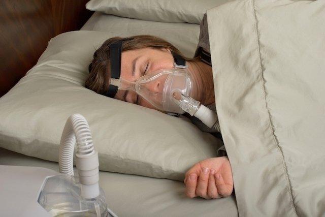 Apneia do sono: o que é, sintomas, tipos e tratamento